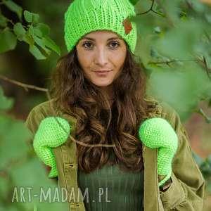 handmade czapki business instinct alternatywny neon