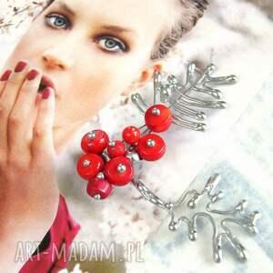 handmade pomysły na święta prezenty broszka jarzębina z koralem