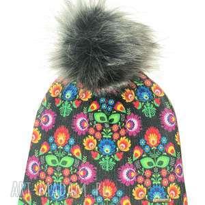 czapka beanie pompon z futra - pompon, kwiaty, folk, prezent, czapka, czapa