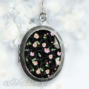 Prezent KWIATUSZKI W SZKLE :: medalion otwierany na prezent, kwiaty, róż, czarny