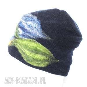czapka wełniana damska granat krótka, czapka, merynosy, wełna, etno, kwiaty