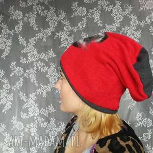 hand made czapki czapka wełniana filcowana czerwona zimowa handmade w kwiaty na podszewce