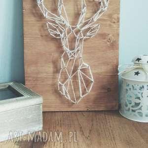 Obraz: geometryczny jeleń. Wykonany techniką String Art na drewnie, dom,