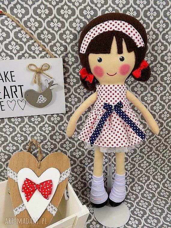 lalka lalki czerwone malowana lala martynka