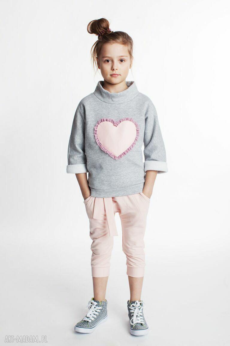 ręcznie zrobione ubranka bluza db06m