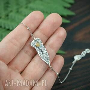 srebrna bransoletka liść paproci z opalem, bransoletka