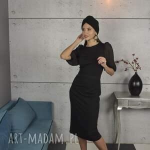 czarna sukienka z plisowanymi rękawami, midi, dzianina, elegancka, bawełna