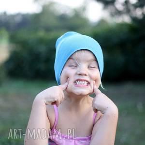 czapka dziecięca bez podszewki, brzegi ostre, rozmiar dla 6-12 latka, polecam - sport