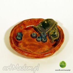 ceramiczna miseczka z jagodami, miseczka, jagody, ceramika, rękodzieło