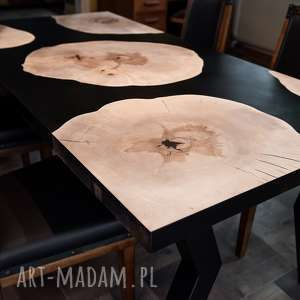 stół jadalniany z plastrów jawora i czarnej żywicy, stółdrewniany