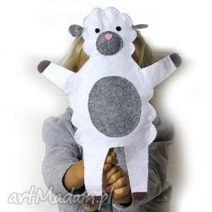 Filcowa pacynka owieczka zosia - maskotka do kreatywnej zabawy