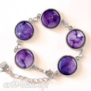 fioletowa nebula - bransoletka - nowoczesna, kosmiczna kaboszon, kosmos