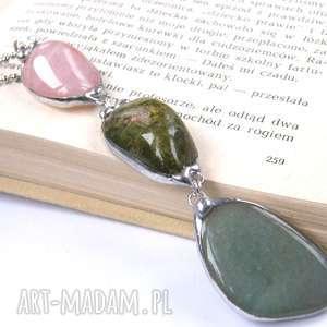 wisior z łańcuszkiem pastelowo-zielony, długi wisiorek, wisiorek kamieni