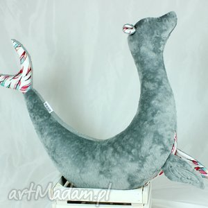 foka sara grey pióra - poduszka do karmienia, poduszka, rogal, foka, maskotka