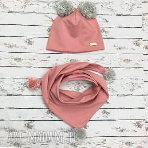 komplet czapka i szalik chusta z pomponami brudny róż - pomponami, chustka