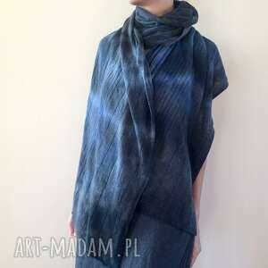 anna damzyn elegancki wełniany grafitowy szal z refleksami niebieskiego