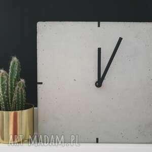 Zegar z betonu stojący loft zegary teslatimestudio stojący