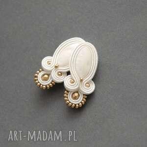 białe klipsy sutasz, sznurek, ślub, delikatne, ślubne, eleganckie, perłowe
