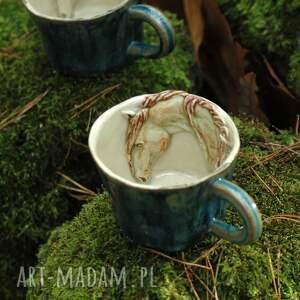 Ceramiczna filiżanka kubek z figurką konia niebieska, kubek, zkoniem, ceramika