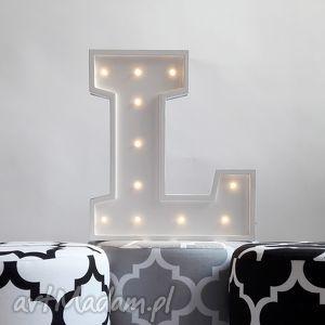 podświetlana litera l, literka, led, lampka, dziecko, symbol, wieczór, pod choinkę