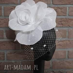 ozdoby do włosów biała róża, fascynator, biały, kwiat, woalka, ślub