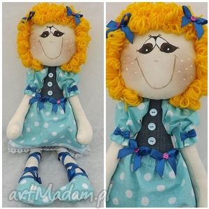 agatka z niebieskiej sukience w grochy, lalka, maskota, przytulanka, dziecko