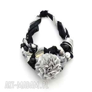 SZARE MIRAŻE naszyjnik handmade, naszyjnik, kolia, szary, czarno-biały, kwiat