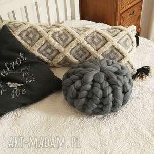 poduszki poduszka czesankowa grafitowa, czesankowa, gruba, rozetka, pleciona