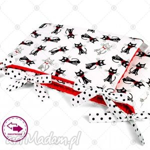 ochraniacz minky do łóżeczka 30x150cm obijacz - czarne koty na czerwieni
