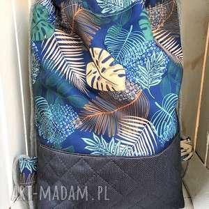 Worek plecak wodoodporny liście na granatowym tle, worek, plecak,