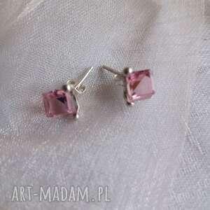srebrne kolczyki z kostkami swarovskiego różowe