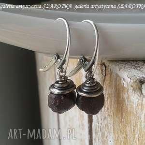 Grubo ciosane kolczyki z granatu i srebra szarotka srebro