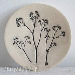 ceramika talerzyk z odbiciem roślin, fusetka, ceramiczny talerzyk