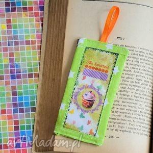zakładka do książki - smak słodyczy nr 4, zakładka, książka, retro, babeczka