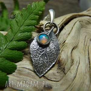 naszyjniki srebrny liść z opa em, srebro, opal, natura, liść, boho, minimalistyczna