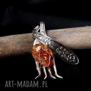 hand-made wisiorki wisior bursztyn widelec wisiorek