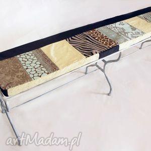 dom metalowa ława z dekoracyjną, patchworkową poduszką, mebel, ława, patchwork