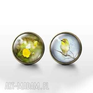 żółty kwiat, ptaszek - antyczny brąz kolczyki wkrętki