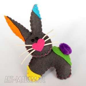 królik - broszka z filcu, królik, serce, filc, broszka, dziecko, prezent