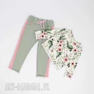 Komplet spodnie z lampasem i bluzeczka flowers, kwiaty