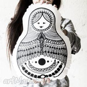 ręcznie wykonana poducha - przytulanka matrioszka malinowe cacko