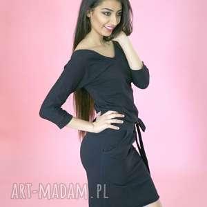 Sukienka bawełniana z dekoltem czarna sukienki ekoszale bawełna