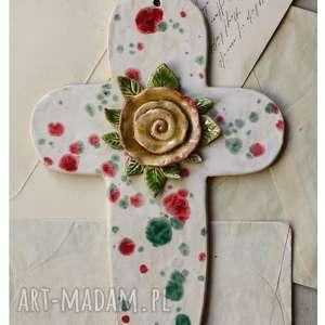 krzyż z różą okazji chrztu świętego, ceramika, krzyż, chrzest, róża