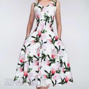 Sukienka DORA Midi Pralinka, total, midi, kieszenie, kwiaty, dekolt, rozkloszowana