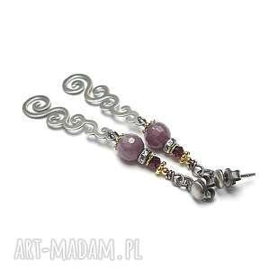 Rubinowe zawijasy -kolczyki, srebro, oksydowane, pozłacane, rubiny, granaty