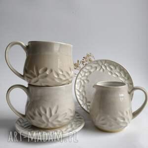 ceramika zestaw składający się z dwóch filiżanek zespołami i dzbanuszka 7