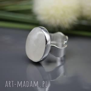 Blask kamienia księżycowego - pierścionek Tharivol , kamień-księżycowy,