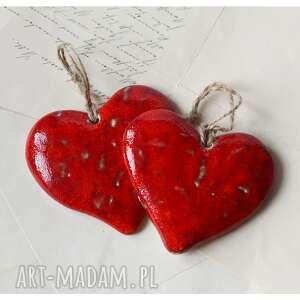 pod choinkę prezent, serca karminowe, ceramika, serce, walentynki
