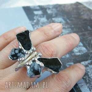 regulowany pierścionek motyl z czarnym turmalinem, motyl