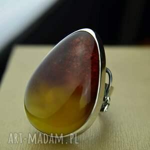 pierścionek z ogromnym bursztynem srebro, bursztynem, pierścień